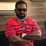 Robo Shankar, red t shirt