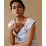 Shraddha Srinath, photo shoot, cute, glamour, Vikram Vedha heroine