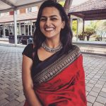 Shraddha Srinath, saree, smile, best, Vikram Vedha actress