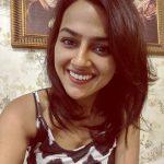 Shraddha Srinath, selfie, smile, rare