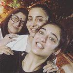Shruti Haasan, akshara haasan, kshboo, selfie