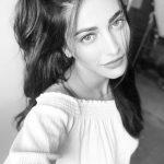 Shruti Haasan, black and white