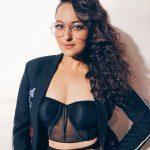 Sonakshi Sinha, Kalank heroine, seductive
