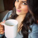 Sonakshi Sinha, Selfie, coffee