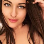 Sonakshi Sinha, Selfie, face close