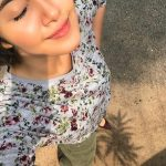Anupama Parameswaran, selfie, top view