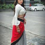 Asmita Sood, Kannada Heroine, side pose, hip show