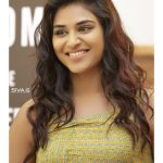 Indhuja, smile, loose hair