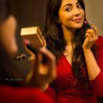 Parvatii Nair, makeup, lipstick, mirror, hd