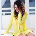 Priyanka Jawalkar, Taxiwala Heroine, yellow, bed,handsome