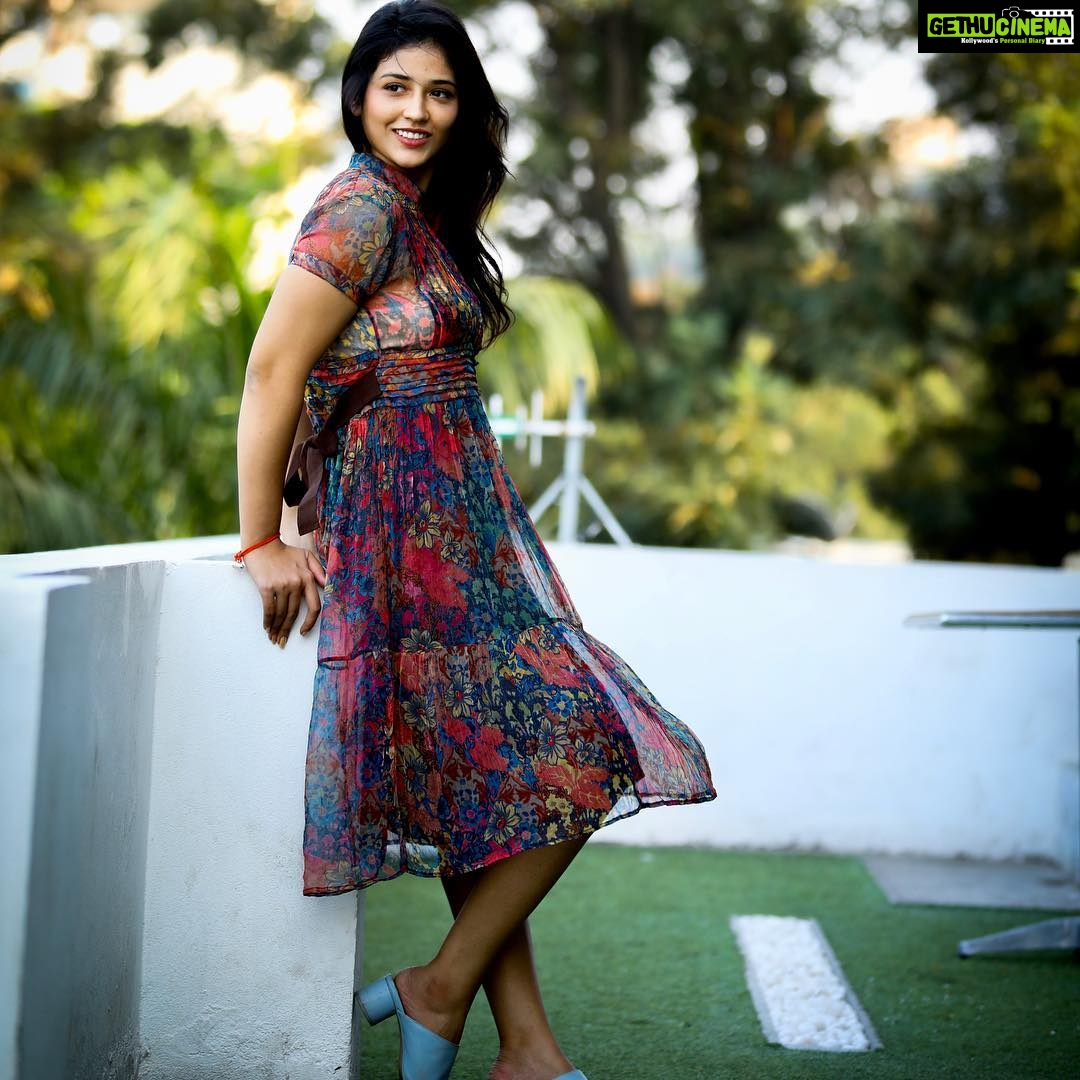 Priyanka Jawalkar Taxiwala Actress Wallpaper Hd New Heroine