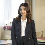 Radhika Apte, Bombairiya Heroine, black coat