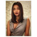 Radhika Apte, Bombairiya Heroine, modern, lipsstick