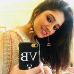 Vani Bhojan, selfie, loose hair