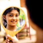 Ammu Abhirami, mirror, shooting spot, tamil actress