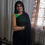 Anjena Kirti, RK Nagar, Smart look, black saree