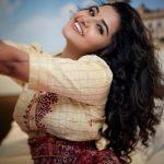 Anupama Parameswaran, glamour, hair style, malayalam