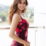 Disha Patani, Baaghi 2 Actress, side pose, red