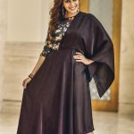 Kiki Vijay, smile, zee tamil, black dress, keerthi, zingbi fashion awards