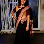 Maalavika Sundar,  Singer, black saree, hip show, spicy