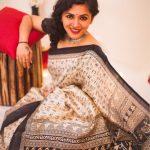 Maalavika Sundar,  smile, face