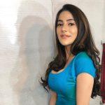 Nikki Tamboli, Dharma Prabu Actress, blue  t shirt, charming