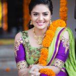 Sreemukhi, Babu Baga Busy Actress, colourfull, smile