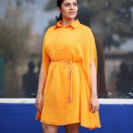 Sreemukhi, Babu Baga Busy Actress, yellow dress