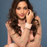 Srinidhi Shetty, KGF Heroine, diffrent look
