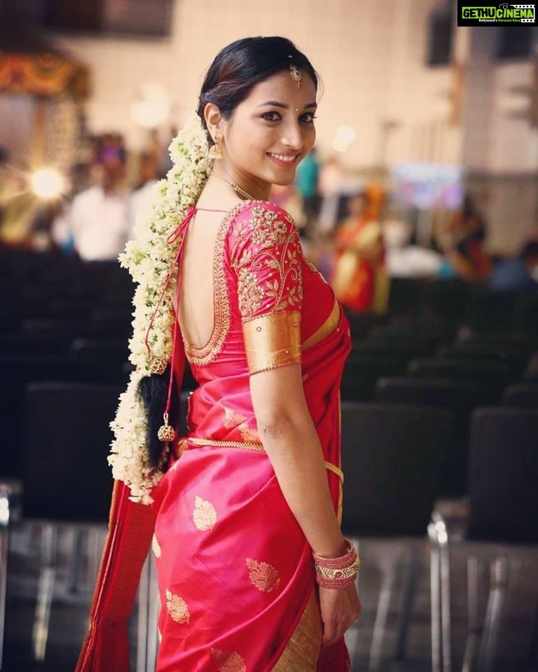 Srinidhi Shetty Kgf Heroine Marriage Pattu Saree Gethu Cinema