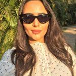 Aanchal Munjal, selfie, cooling glass, actress