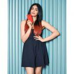 Adah Sharma, Commando 3 Heroine, red mobile, trendy