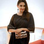 Aditi Ravi, Tick Tock Heroine, admirable