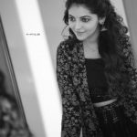 Athulya Ravi, Suttu Pidikka Utharavu Heroine,  new hair style, black and white