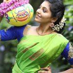 Athulya Ravi, Suttu Pidikka Utharavu Heroine,  pot, treditional