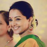 Manju Warrier, Asuran Heroine, yellow chudi, smile