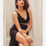Shraddha Das, red lipsstick, new pose, 2019