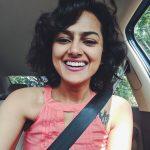 Shraddha Srinath, selfie, kannada actress, glamour