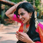 Shraddha Srinath, smile, saree, vikram vedha actress