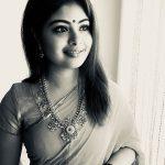 Shravanthi Sainath, Dhruva Natchathiram Actress, saree, black and white