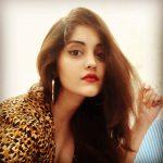Surbhi, Voter Actress, customary