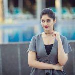 Surbhi, Voter Actress, red lipsstick, novel