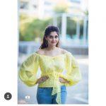 Surbhi, Voter Actress, yellow dress, blue jean
