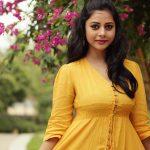 Suza Kumar, flower, tamil actress, ethir neechal