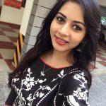 Suza Kumar, selfie, smile, tamil actress
