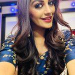 Yashika Aannand, selfie, hd, vijay television