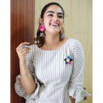 kavya thapar, Market Raja mbbs Actress, smile, gorgeous