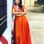 Alya Manasa, Raja Rani Serial Heroine, orange dress, temple