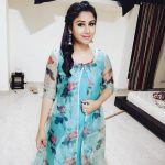 Alya Manasa, Raja Rani Serial Heroine, room, blue dress