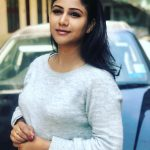 Alya Manasa, Raja Rani Serial Heroine, white t shirt, car, coolers